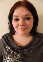 A photo of Kaylee who is one of our Phoenix Middle School Math tutors