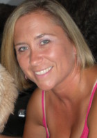 A photo of Amanda who is one of our Phoenix Phonics tutors
