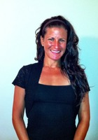 A photo of Stefanie who is one of our New York City ACT Writing tutors