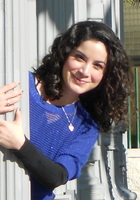 A photo of Fernanda who is one of our Spanish tutors
